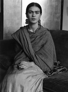 Frida Kahlo, no stranger to passion and suicide…  Photo by the wonderful Imogen Cunningham, 1931