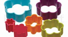 Colourworks by Kitchen Craft Set of 6 Flower Biscuit Pastry Cookie Cutters & Tub Cupcake Decorating Tips, Cookie Decorating Supplies, Plastic Flowers, Paper Flowers, Biscuit, Cake Kit, Fondant Cookies, Flower Cookies, Cookie Cutter Set