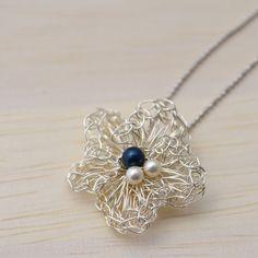 flower ネックレス