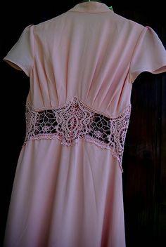 Ručne maľované romantické staroružové šaty