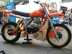 XR Motocross bike Honda Dirt Bike, Honda Bobber, Honda Scrambler, Motorcycle Dirt Bike, Honda Bikes, Motocross Bikes, Scrambler Motorcycle, Honda Motorcycles, Cb750