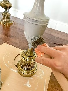 See how I transformed this old ugly brass lamp pair I found at a thrift store with Annie Sloan Chalk paint and dark wax. An easy weekend lamp makeover! Lamp Redo, Lamp Makeover, Furniture Makeover, Diy Furniture, Chandelier Makeover, Furniture Repair, Painting Lamp Shades, Painting Lamps, Chalk Painting
