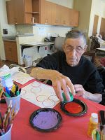 Circle painting. Did this fun project with homeschool children and seniors at a nursing home.