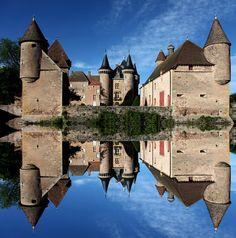 Château La Clayette  |  La Clayette en Saône-et-Loire, Bourgogne