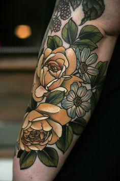 the best full sleeve tattoos Full Sleeve Tattoos, Tattoo Sleeve Designs, Arm Tattoos, Flower Tattoos, Body Art Tattoos, Tatoos, Old School Tattoo Sleeve, Tattoo Drawings, Pretty Tattoos