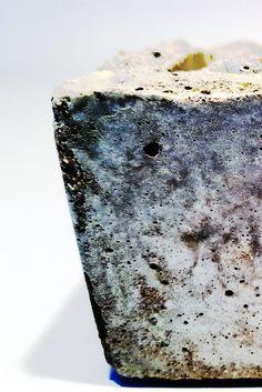 #Kunst aus #Beton: #Schale aus Beton.  Gesehen bei https://www.dinge-aus-beton.de   #design #handmade #cement #concrete #deco #homedesign #beton #kunst #Deko #unikat #interiordesign #industrialdesign #decor #lifestyle #minimal #industrial #interior #innendesign #interieurstyling #moderneswohnen #handcraft #schale
