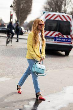 Street style : nos looks préférés de la Fashion Week de Paris automne-hiver 2020-2021   Vogue Paris Fashion Week, Paris Fashion, Womens Fashion, Vogue Paris, Look Street Style, Cool Street Fashion, Kourtney Kardashian, Fall Winter, Hipster