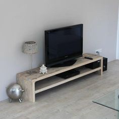 Having a TV at home means that you have to find DIY TV stand ideas. Simple Tv Stand, Cool Tv Stands, Diy Tv Stand, Tv Furniture, Classic Furniture, Unique Furniture, Furniture Ideas, Furniture Stores, Homemade Tv Stand