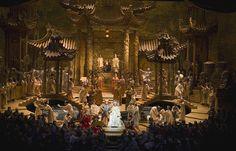 The Metropolitan Opera. Scenic design by Franco Zeffirelli. Stage Set Design, Set Design Theatre, Event Design, Turandot Opera, Metropolitan Opera, Theatre Stage, Chinese Architecture, Scenic Design, Scenery