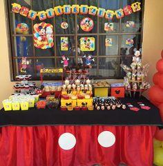 Mesa de postres Mickey Mouse