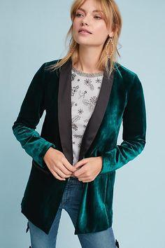 7a0efef52e316 Slide View  1  Velvet Tuxedo Blazer Winter Outfits Women