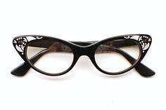How To Make Clothes, Making Clothes, Cheap Ray Bans, Teen Fashion, Fashion Tips, Cat Eye Glasses, Ray Ban Sunglasses, Specs, Eyeglasses