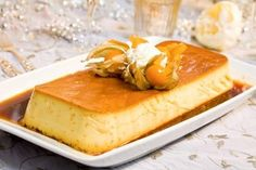 Karamellpudding Actually this is flan.I make this from time to time and Bert LOVES it and it never lasts long here. Custard Desserts, No Bake Desserts, Delicious Desserts, Dessert Recipes, Yummy Food, Swedish Recipes, Norwegian Recipes, Norwegian Food, Norwegian Style