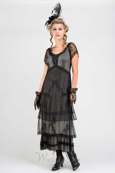 Embrace the gothic romance of the Victorian age in the Arrianna Vintage Style Party Dress in Black by Nataya. All eyes will be on you as you enter the room in this short-sleeved diaphanous dress. Look Vintage, Vintage Style Dresses, Vintage Outfits, Vintage Clothing, Victorian Dresses, Vintage Gowns, Vintage Shoes, Elegant Dresses, Pretty Dresses