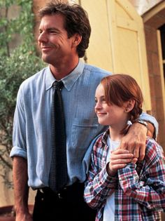 Dennis Quaid and Lindsay Lohan in The Parent Trap Love this film :) Lindsay Lohan, Walt Disney Pictures, Movies And Series, Movies And Tv Shows, Mean Girls, Beatles, Parent Trap, Bon Film, Call My Dad