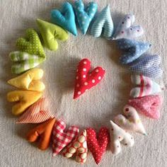 Fabric rainbow heart wreath - cute for valentine's Sewing Crafts, Sewing Projects, Diy Crafts, Softies, Party Girlande, Heart Projects, Fabric Hearts, I Love Heart, Heart Wreath