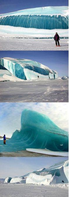 ▴ Frozen wave in Antarctica