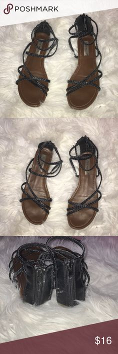 Black Steve Madden sandals Steve Madden sandals strappy braided straps in black on these shoes really cute. They are a size 7   Fast shipping always  Bundle with other clothes and items from my closet for huge discounts  All offers welcome EVERYTHING MUST GO😊❤️ Steve Madden Shoes Sandals