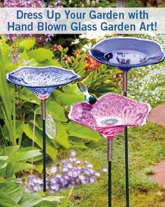 Hand Blown Glass Birdbaths from Island Art Glass - Made in Washington Garden Totems, Glass Garden Art, Garden Ornaments, Glass Ornaments, Garden Projects, Garden Ideas, Garden Crafts, Diy Crafts, Blown Glass Art