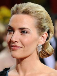 Kate Winslet, 2009 Oscars hair and makeup - The 13 best Oscars beauty looks EVER - Cosmopolitan.co.uk