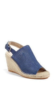 Free shipping and returns on Caslon® 'Sutton' Slingback Mule (Women) at Nordstrom.com. Soft leather modernizes a summer-ready slingback mule set on an espadrille wedge heel and finished with a flirty peep toe.