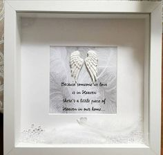 Beautiful Memory Memorial Frame Because someone we love is in Heaven Handmade white angel wings, soft white feathers and clear crystals are added to this box frame, making it stunningly beautiful pictures never do this justice. 3d Box Frames, Box Frame Art, Diy Frame, Personalized Family Gifts, Personalised Prints, Grandparents Photo Frame, Angel Wings Pictures, Shadow Frame, Shadow Box
