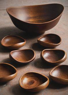FINN JUHL, Collection of bowls, c.1951. Material teak. Produced by Kay Bojesen, Copenhagen, Denmark. / Sotheby's