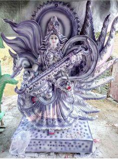 Saraswati Murti, Durga Ji, Saraswati Goddess, Shiva Art, Krishna Art, Hindu Art, Maa Wallpaper, Lord Krishna Hd Wallpaper, Indian Gods