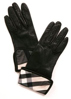 BURBERRY LONDON GLOVES -
