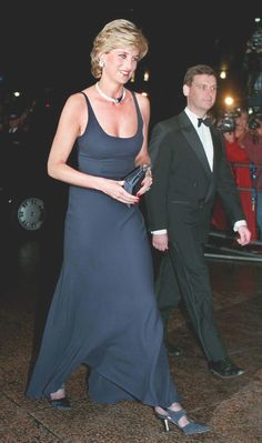"October HRH Diana, Princess of Wales at the Premiere of "" Haunted in London. Princess Diana Family, Royal Princess, Princess Of Wales, Lady Diana Spencer, Princesa Diana, Diana Fashion, Royal Fashion, Most Beautiful Women, Beautiful People"