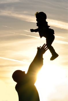 Silhouette Photo Idea - Dad & Baby Picture - Dad & Daughter Photo