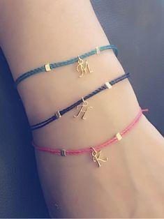 Simple bracelet with initial code Diy Bracelets Easy, Cord Bracelets, Ankle Bracelets, Handmade Bracelets, Ribbon Jewelry, Bead Jewellery, Cute Jewelry, Jewelery, Diy Leather Bracelet