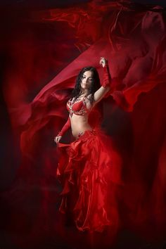Lady in Red. Chica Fantasy, Fantasy Art, Beau Gif, Images Gif, Gif Pictures, Beautiful Gif, Tribal Fusion, Belly Dancers, Dance Art