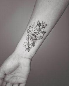 Bee Tattoo 2 by Phoebe Hunter - Tattoo, Tattoo ideas, Tattoo shops, Tattoo actor, Tattoo art - Bee Tattoo 2 by Phoebe Hunter - Bumble Bee Tattoo, Honey Bee Tattoo, Trendy Tattoos, New Tattoos, Body Art Tattoos, Sleeve Tattoos, Tatoos, Word Tattoos, Unique Tattoos