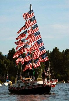 Previous pinner: I've seen this boat in person! I've also been in this boat parade for McCall of July festival! American Spirit, American Pride, American Flag, I Love America, God Bless America, America 2, Patriotic Pictures, Boat Parade, Happy Memorial Day