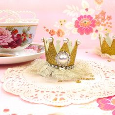 Items similar to Gold Princess Crown Hair Clip - Glitter Princess Party Accessories and Photo Props 1st Birthday Princess, Princess Party, Party Gifts, Party Favors, Paper Lace Doilies, Pillow Box, Crown Hairstyles, Party Entertainment, Party Accessories