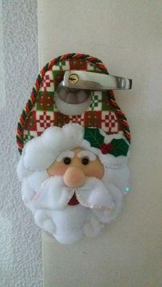 Christmas Ornaments, Holiday Decor, Xmas Decorations, Papa Noel, Christmas Decor, Amor, Door Handles, Garlands, Decorations