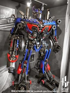 10000$ Optimus Prime Statue made of recycled material !!!