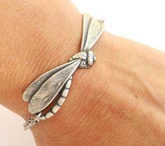 Steampunk Dragonfly Bracelet- Sterling Silver Ox Finish- Personalized Bracelet door BellaMantra op Etsy https://www.etsy.com/nl/listing/150804988/steampunk-dragonfly-bracelet-sterling