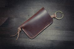 Horween Leather Key Holder  Leather Thickness 5-6oz  If you have any questions or comments, please contact us  Thanks for your visiting.