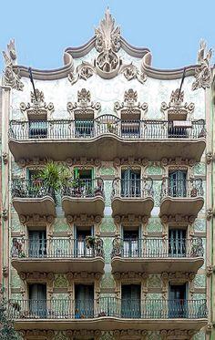 'Modernisme' in Barcelona, Catalonia. Barcelona Architecture, Roman Architecture, Art Nouveau Architecture, Beautiful Architecture, Beautiful Buildings, Architecture Details, Beautiful Places, Barcelona Sights, Barcelona Spain