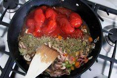 ITALIAN FOOD: Kip cacciatore - SimKookt Cacciatore, Italian Recipes, Meat, Food, Meals
