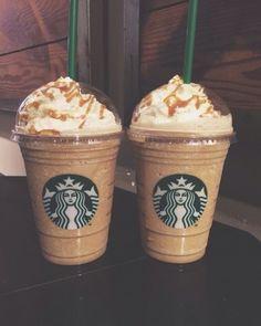 (notitle) 11 Healthier Starbucks Drinks To Try On Your Next Order // Volume 1 Bebidas Do Starbucks, Copo Starbucks, Starbucks Secret Menu Drinks, Starbucks Frappuccino, Yummy Drinks, Yummy Food, Coffee Recipes, Drink Recipes, Milkshake
