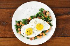 Kale i Słodki Hash ziemniaków | 37 Whole30 Recipes That Everyone Will Love