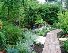 Gartengestaltung mit Steinen und Kies steinpflaster pflanzen