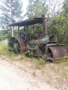 Old steam powered Tractor .@Jorge Martinez Martinez Martinez Martinez Cavalcante (JORGENCA)