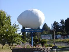World's Largest Egg – Winlock, Washington