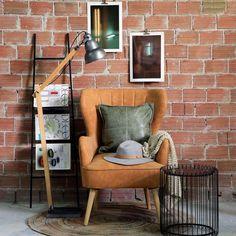 Η μεγαλύτερη τάση της μόδας στα φωτιστικά είναι το ξύλο, το οποίο ειδικά όταν συνδυάζεται με μεταλλικές επιφάνειες δημιουργεί ένα δυναμικό αισθητικό αποτέλεσμα που μαγνητίζει τα βλέμματα. Μπορείτε κι εσείς να δημιουργήσετε έναν χώρο με άποψη και στυλ τοποθετώντας το Φωτιστικό Δαπέδου RAT105. Διαθέτει ξύλινο σκελετό και μεταλλικό καπέλο, που συνδυάζονται αρμονικά και θα κάνουν το γραφείο, το υπνοδωμάτιο, το σαλόνι ή οποιονδήποτε άλλο χώρο επιλέξετε, απλώς ακαταμάχητο. Chair, Furniture, Home Decor, Decoration Home, Room Decor, Home Furnishings, Stool, Home Interior Design, Chairs