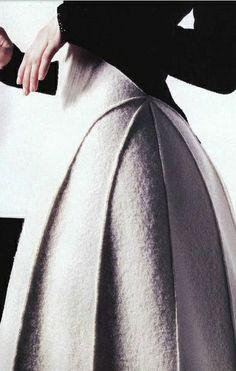 66 New ideas moda chic chanel haute couture Fashion Details, Look Fashion, High Fashion, Fashion Design, Chanel Fashion, Chanel Chanel, Chanel Couture, Chanel Black, Trendy Fashion
