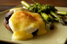 Explore the delicious options of Paleo Eggs Benedict and you will come up with everything from woven bacon strips to portobello mushroom muffins. Asparagus Egg, Fresh Asparagus, Asparagus Recipe, Egg Recipes, Brunch Recipes, Low Carb Recipes, Healthy Recipes, Diet Recipes, Healthy Eats